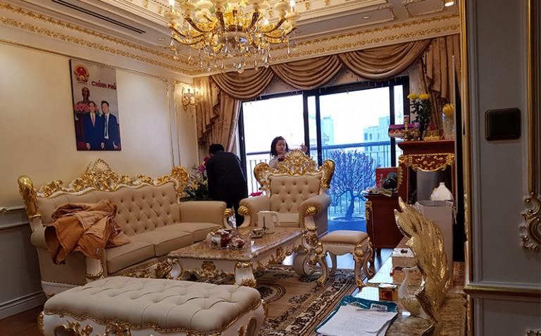 Anh Hùng - Thi công phào chỉ PU dát vàng chung cư Goldmax city