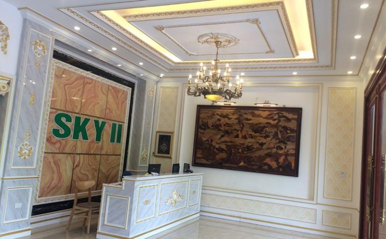 Chị Mai - Thi công phào chỉ PU dát vàng khách sạn Sky II Tp. Bắc Ninh