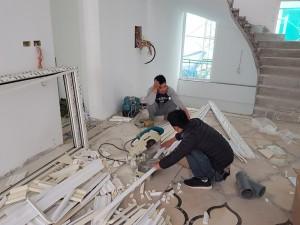 Những yêu cầu cơ bản về tay nghề thợ trong thi công phào chỉ PU